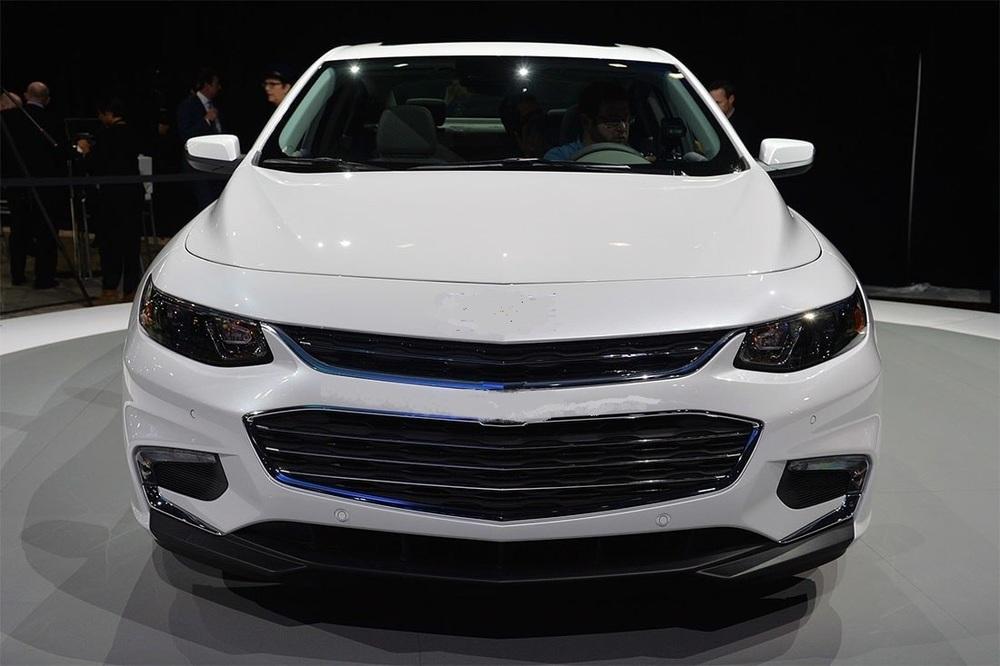 Chevrolet-Malibu-2016-2017-12-min.thumb.jpg.b0a93b981e94750dcf7db9b87d90936d.jpg